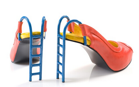 如果你喜欢创意的,奇葩的,炫酷的高跟鞋设计,那就看这里吧,看看设计